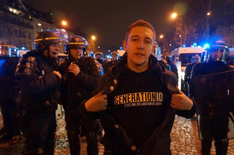 Manif pour tous du 24 mars : Louis Aliot et le FN balancent les petits camarades du GUD