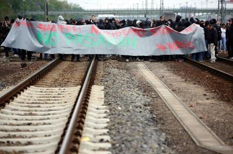 Allemagne : succès de la manif antifa à Francfort