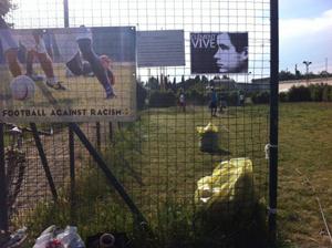La horde italie un terrain de sport autog r porte le nom de cl ment - Comment trouver le nom du proprietaire d un terrain ...