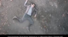 Rions un peu : mercedes et l'avertisseur de danger (vidéo)