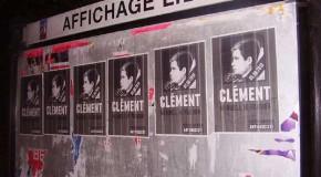 Angers : collage d'affiches à la mémoire de Clément