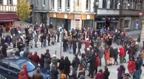 Lannion : chants bretons contre le rejet des étrangers