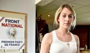 Anne-Sophie Leclère, la nouvelle martyre de l'extrême droite.