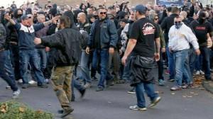 Néonazis à la manif islamophobe de Cologne, le 26 octobre dernier.
