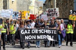 Manifestation contre l'exploitation du gaz de schiste à Donzère (Rhône-Alpes), le 16 avril 2011.