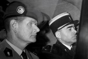 Hélie de Saint-Marc lors de son arrestation le 6 juin 1961.