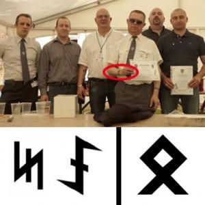En haut, XX et ses copains du DPS. En bas, des runes du loup à gauche, une rune d'Oral à droite.