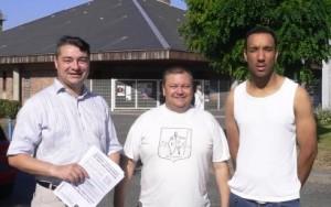"""De gauche à droite, le FN93 canal historique : Cyril Bozonnet, Gilles Clavel et Rémi Lelong (dit """"Bounty"""")."""