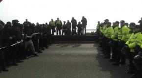 Douvres : solidarité antifa et nazis encerclés par la police