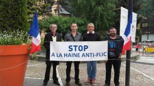 Karam Aoun en chemise grise. Guy PetitJean Genaz tout à droite, militant FN sur Sallanches.