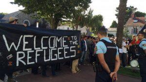 accueil-de-migrants-deux-camps-se-font-face-saint-brevin