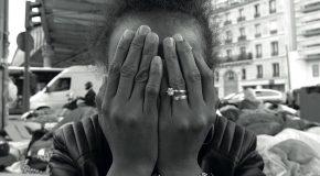 Paris : « RAFLES, TRI, CAMPS : C'EST ÇA SELON VOUS L'ACCUEIL DES MIGRANTS ? »