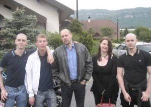 Soral et des membres de Genève Non Conforme (photo : Fafwatch Rhône-Alpes)