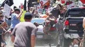 Charlottesville : la marche des suprémacistes blancs finit en assassinat