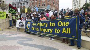États-Unis : les dockers de San-Francisco appellent à la grève contre les suprémacistes