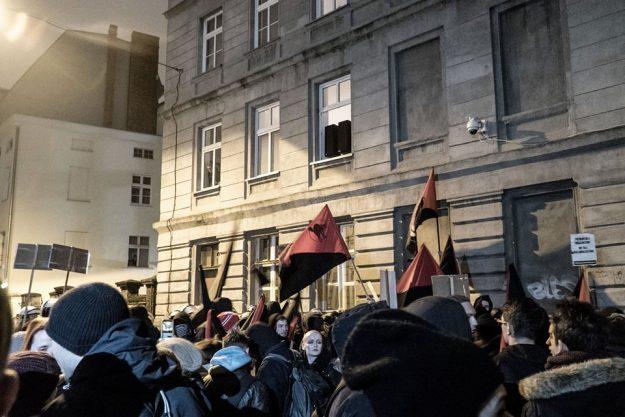 Poznan Pologne contre la venue de Robert Winnicki