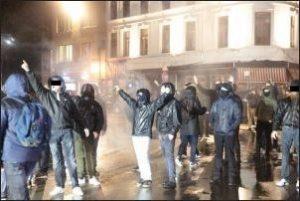 hooligans d'extrême droite dans les rues de Gand en Belgique le 26 11 2017