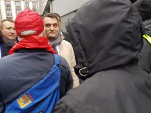 Florian Philippot n'a pas pu participer à la manifestation des retraités le 15 mars expulsé par les manifestant-e-s