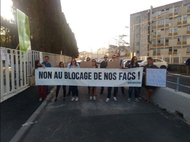 Action des anti-blocage à la Faculté des Sciences de Montpellier (le campus Triolet) le 23 avril 2018