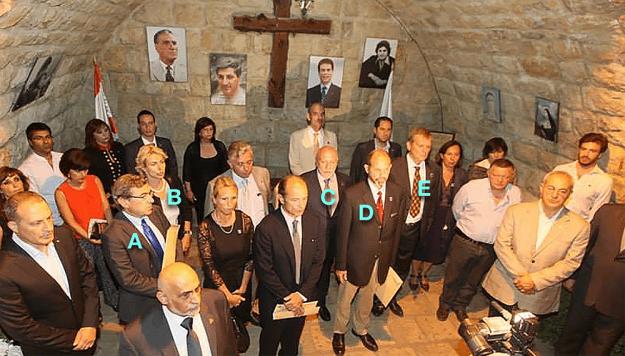 Sur cette photo prise en août 2014 au Liban lors d'un hommage rendu aux volontaires français, on reconnait Francis Bergeron (A), derrière lui Sophie Akl (B), ainsi qu'Emmanuel Pezé-Albach (C), Michel Vial (D) et Gille Soulas (E).
