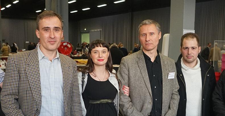 De gauche à droite : John Balder, la suisse Vanessa Inzaghi de Résistance helvétique, Hervé Ryssen et Kevin Licata.