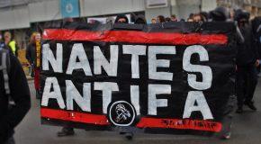 Nantes : Gilets jaunes et antifascistes défilent ensemble