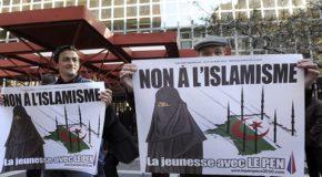 Comment l'extrême droite est devenue islamophobe (1) : le populisme du RN