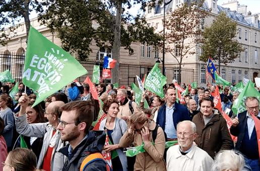 Retour sur la présence de l'extrême droite dans la manif anti-PMA du 6 octobre