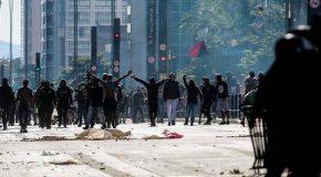 Brésil : affrontements à une marche anti-Bolsonaro